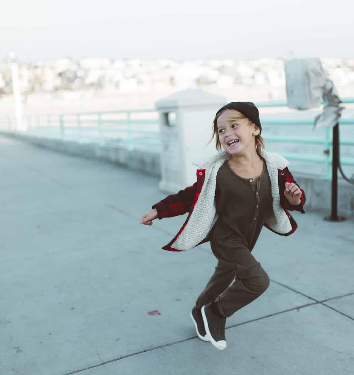 Die Vorteile von körperlicher Aktivität für Kinder | Hüpfburgenverleih